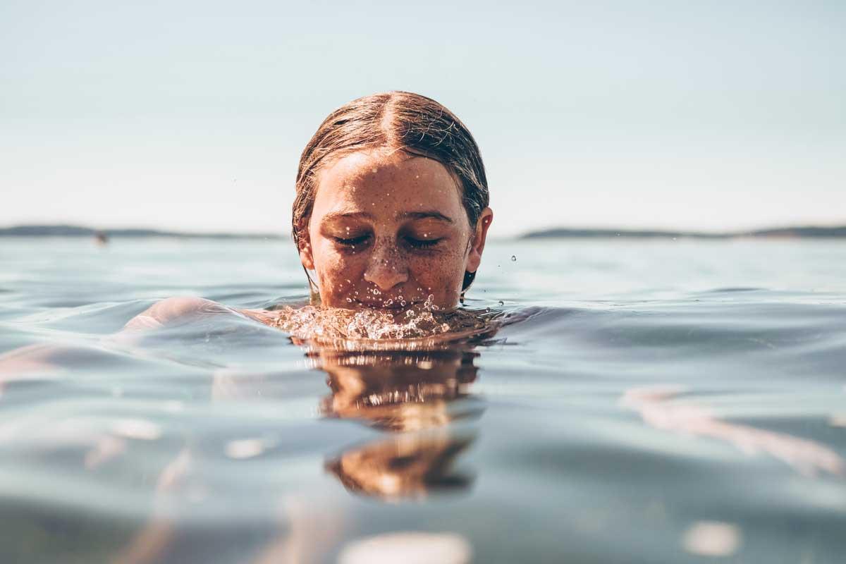 Beneficios de practicar natación en verano